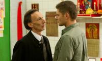 Дин разыскивает Смерть, чтобы тот помог вернуть душу Сэму.